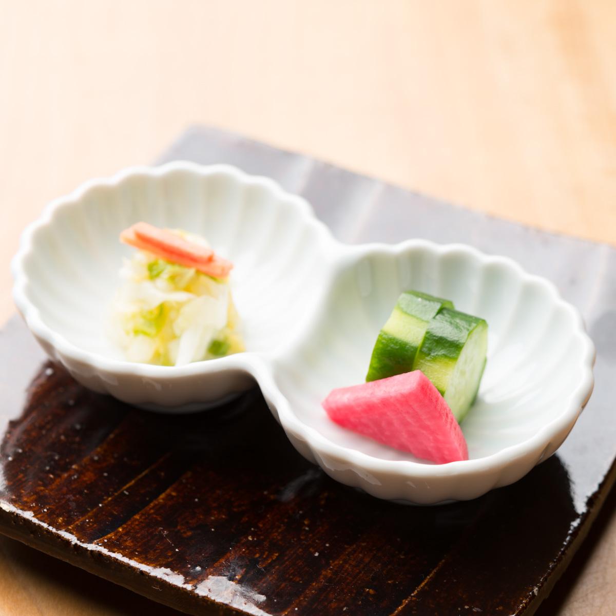 香の物|きゅうりのぬか漬け、紅芯大根の甘酢漬け、白菜と京人参の浅漬け