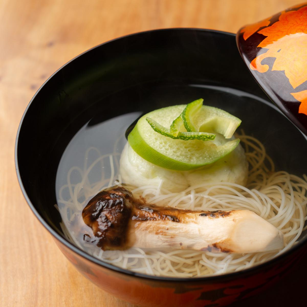椀物|枝豆真丈と松茸のお椀