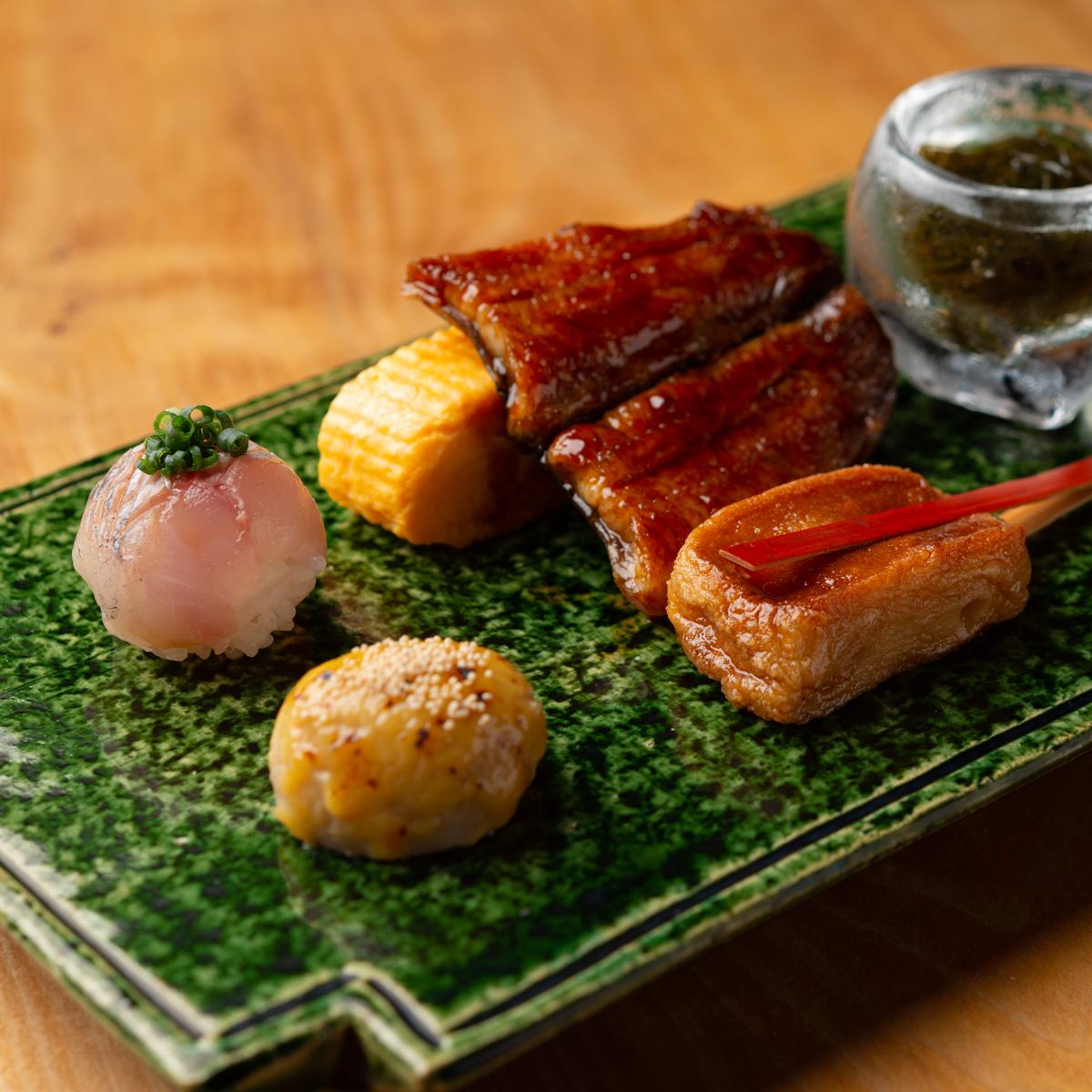 八寸|鰻の蒲焼き、岩もずくの三杯酢、出し巻き玉子、あわ麩の照り焼き、小芋の味噌焼き、鯵の手まり寿司