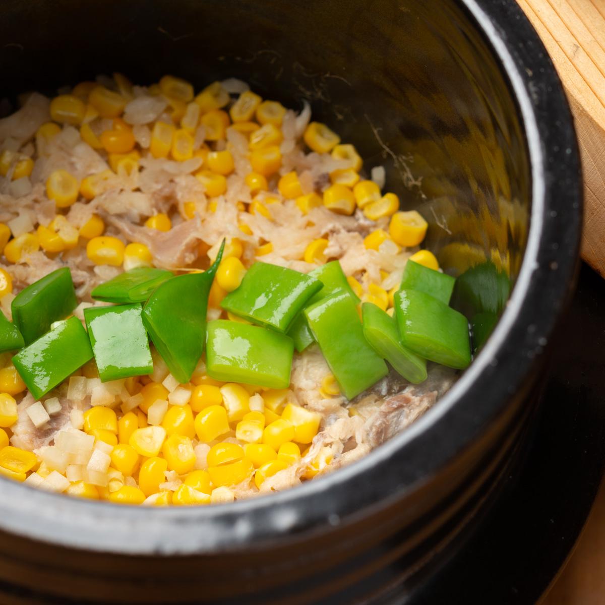 御飯物|鯛・とうもろこしと新生姜の炊き込みご飯、ささげと小芋の赤出汁