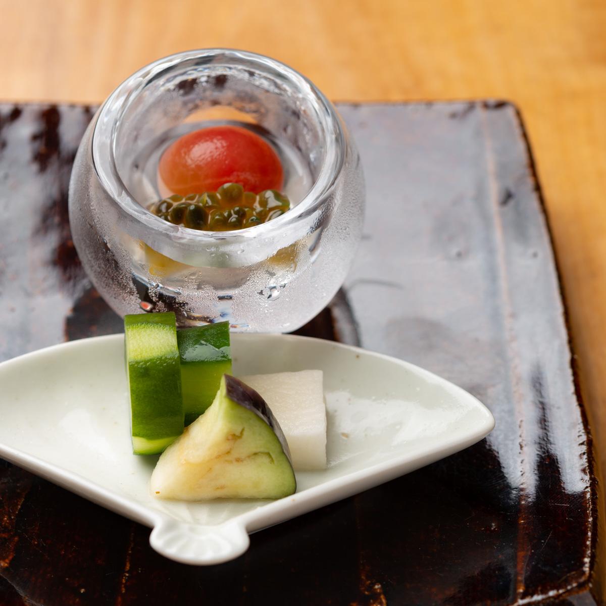 香の物|きゅうりのぬか漬け、水茄子の浅漬け、長芋のわさび漬け、ゴーヤとミニトマトの甘酢漬け